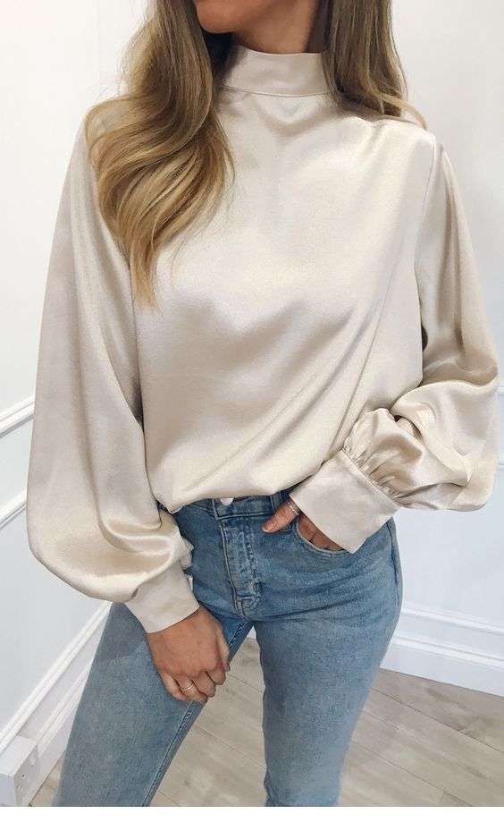 Glam white blouse and blue jeans