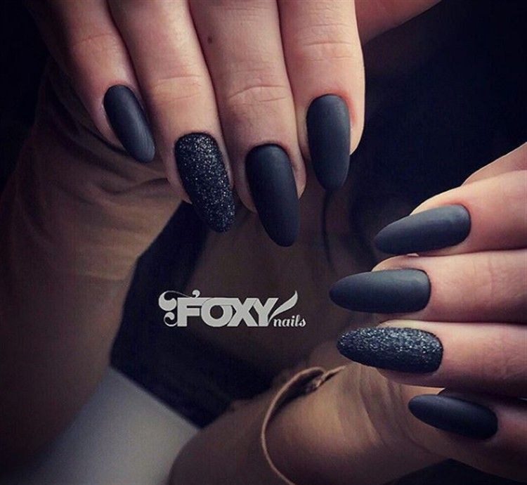 25+ Fabulous Black Matte Nail Art Designs Trendy Ideas – Fashonails #nail_art_designs #trendy_nails #black_nails #matte_nails