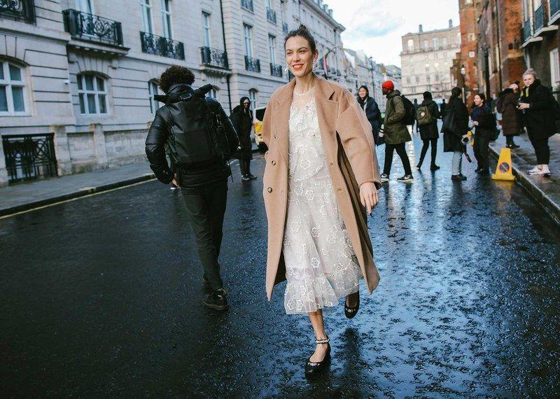 Best London Fashion Week Street Style: Alexa Chung in Simone Rocha