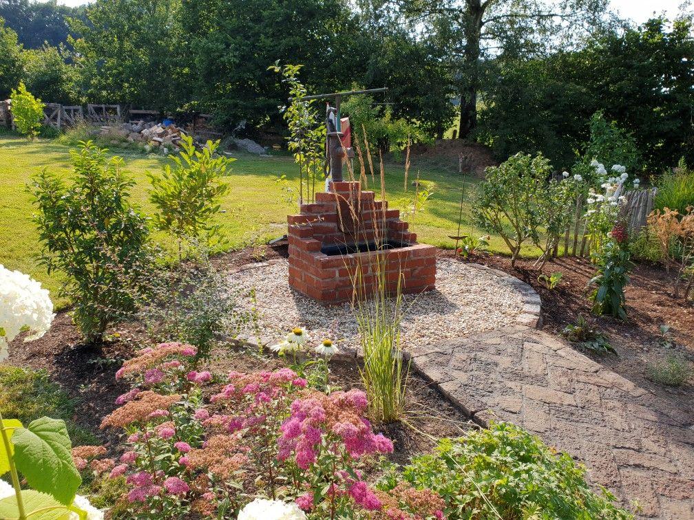 Brunnen Mit Kleiner Solarpumpe Never Ending Project Garten