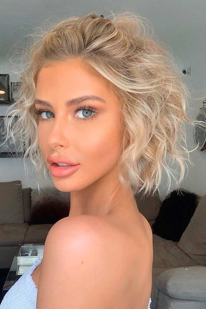 Messy Blonde Curls #vurlyhairstyles #blondehair ★ Bob haircuts will never lose their popularity. Whether short or long, angled or stacked, straight or wavy, a bob looks awesome. #glaminati #lifestyle #bobhaircuts