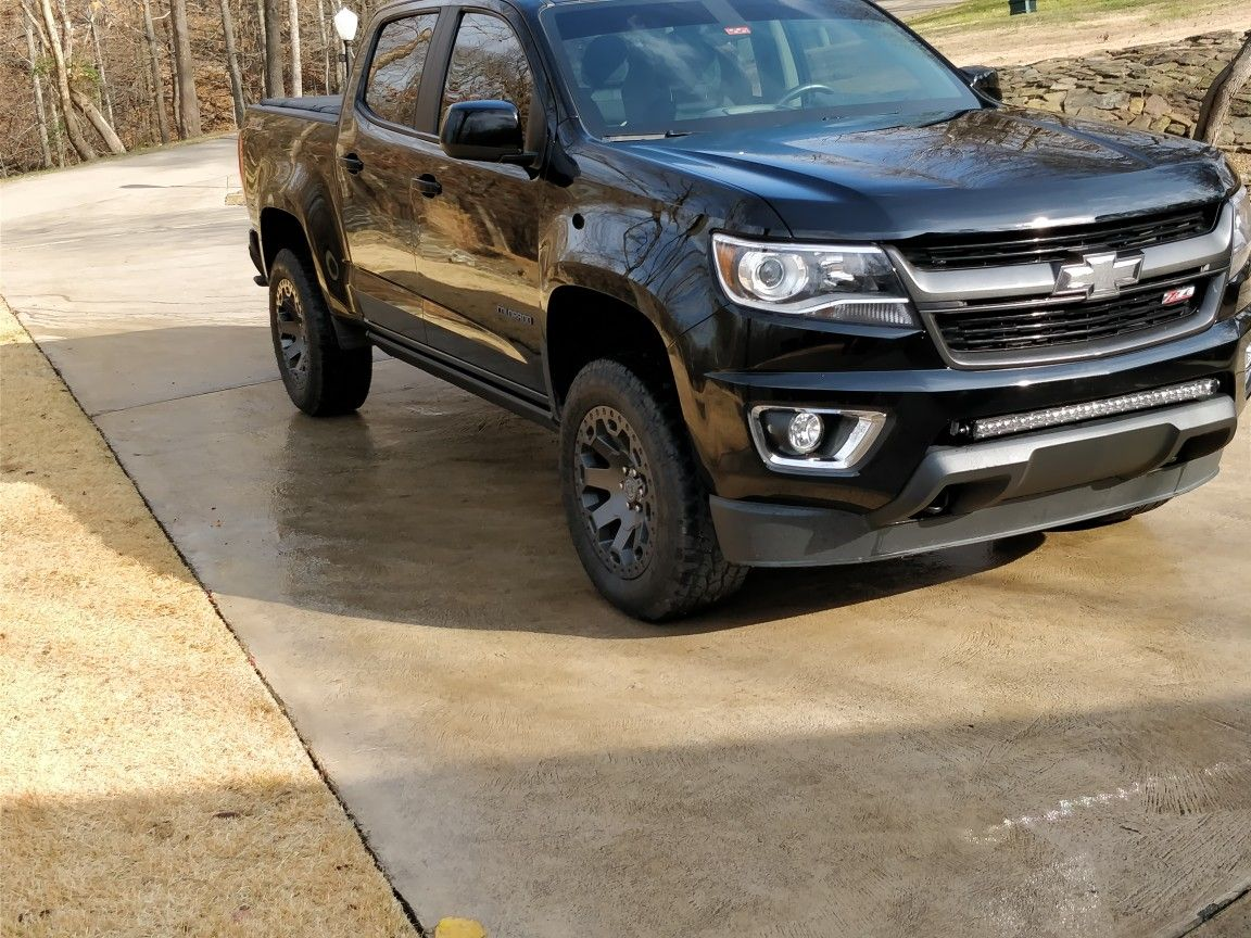 """2.5"""" level kit, wheels, tires, tint, with newest edition"""