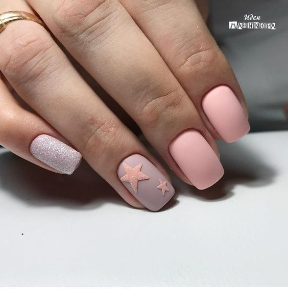 Matte star manicure idea