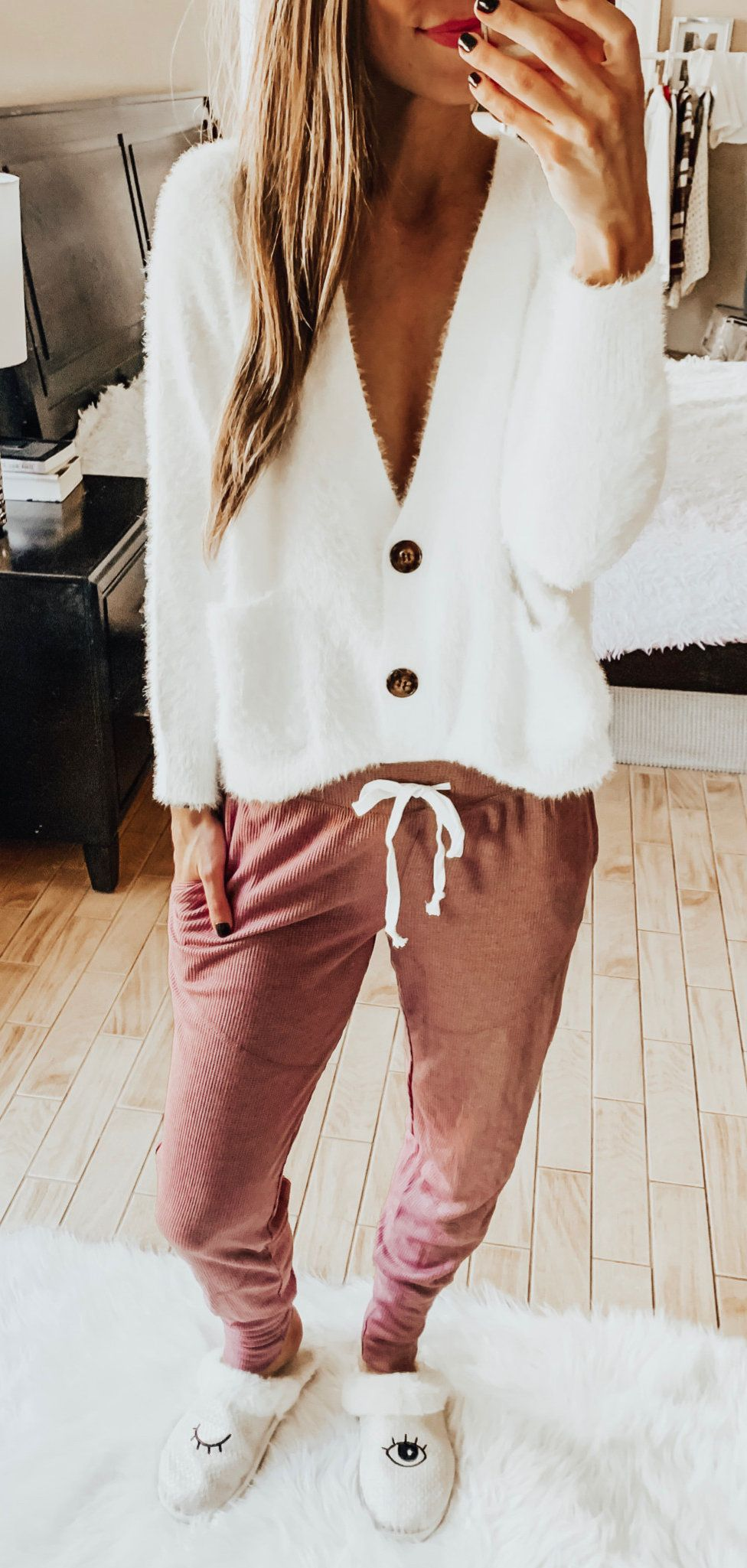 white and brown fur coat #winter #outfits