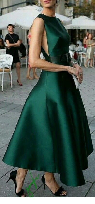 Glam green dress with black accessories