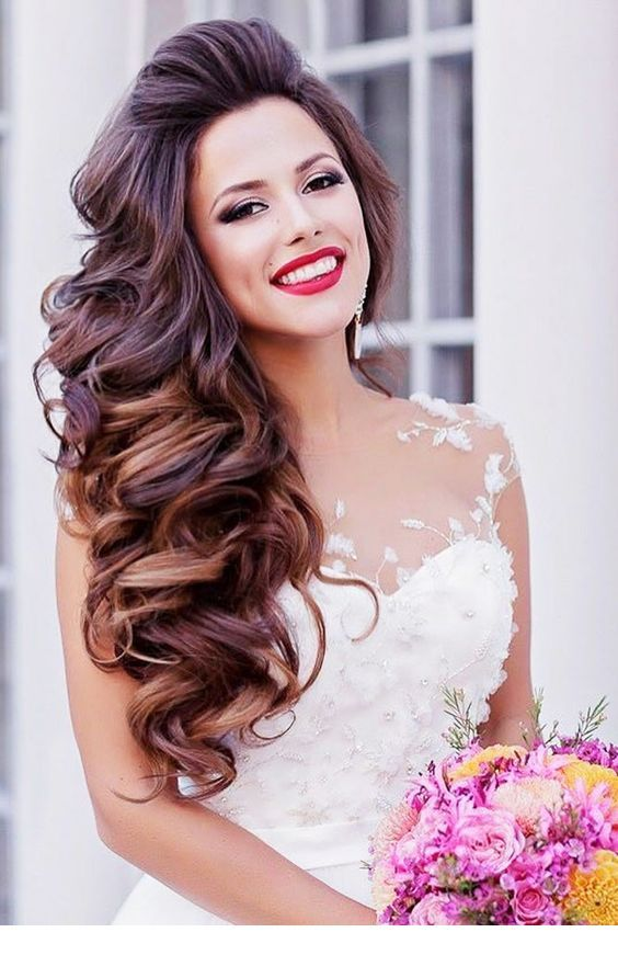 Beautiful side curls for the bride