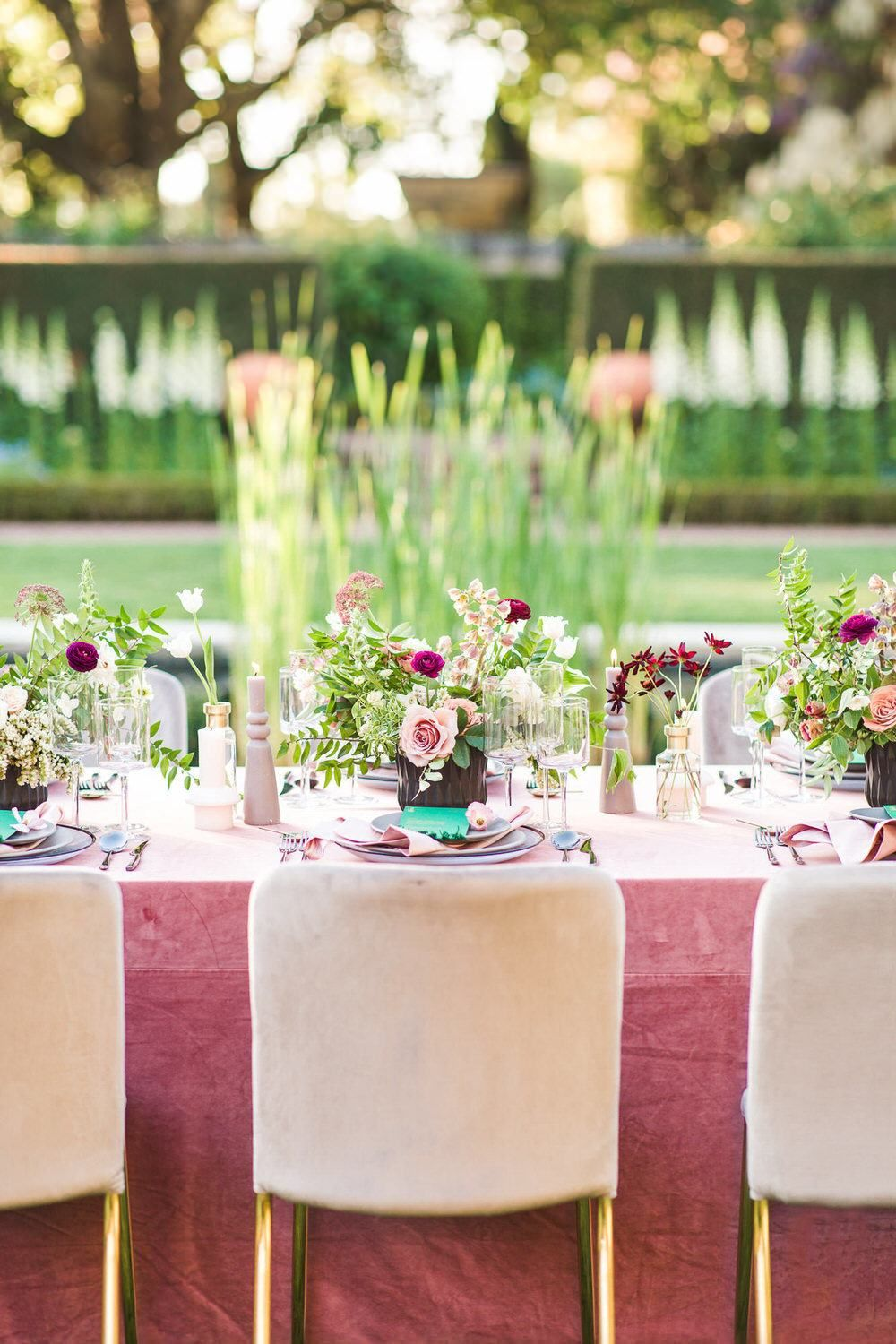 This ultra romantic garden wedding inspo with modern details is just what we needed today. Southern California wedding vendors have created the perfect color palette of mauve and emerald green in the most intimate setting.
