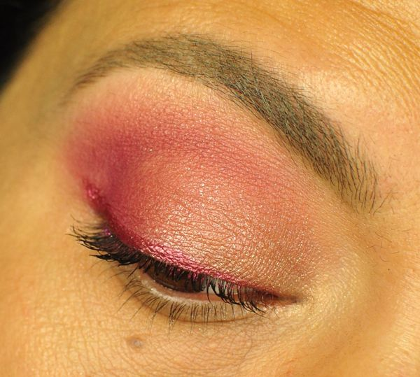 Too Faced Tutti Frutti Razzle Dazzle Berry Eyeshadow Palette Look 3