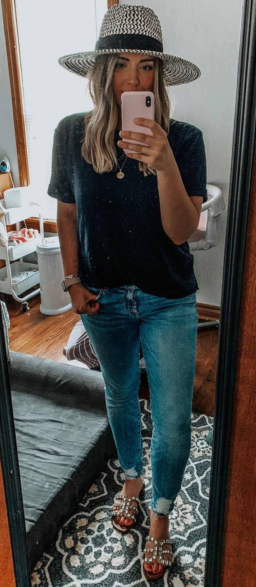 fedora hat and blue cuff jeans. #summer #outfits