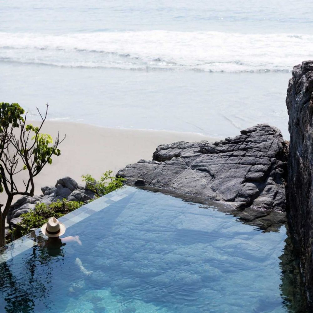 Amazing Pools: 8 Most Beautiful Swimming Pools in the World 🏊