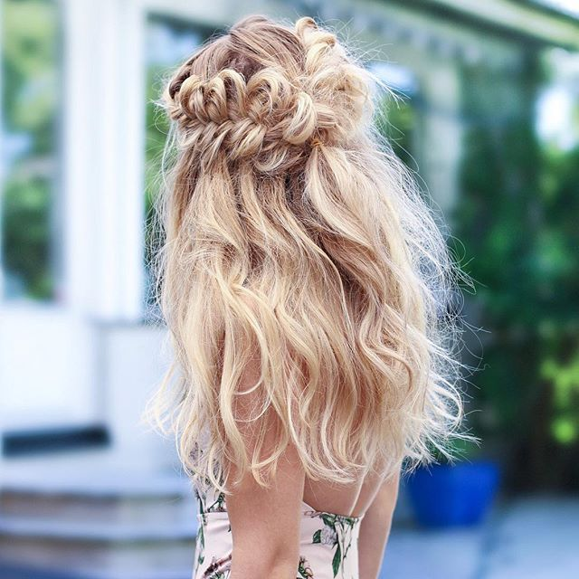 """A super messy hairdo after a day at the beach  I love the feeling of saltwater in my hair and it's definitely the best way to give the hair some extra volume<p><a href=""""http://www.homeinteriordesign.org/2018/02/short-guide-to-interior-decoration.html"""">Short guide to interior decoration</a></p>"""