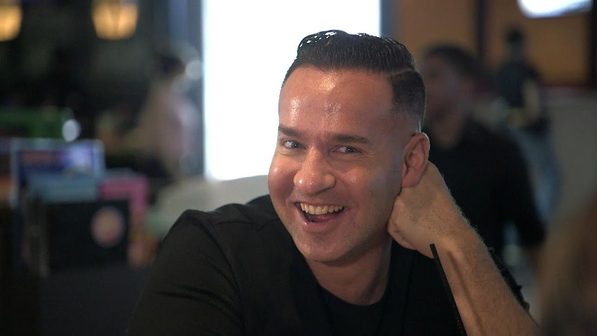 """Jersey Shore Star Snooki Says Co-Star Mike 'The Situation' Is """"having the time of his life"""" In Prison"""
