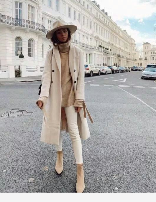 Beige outfit with hat