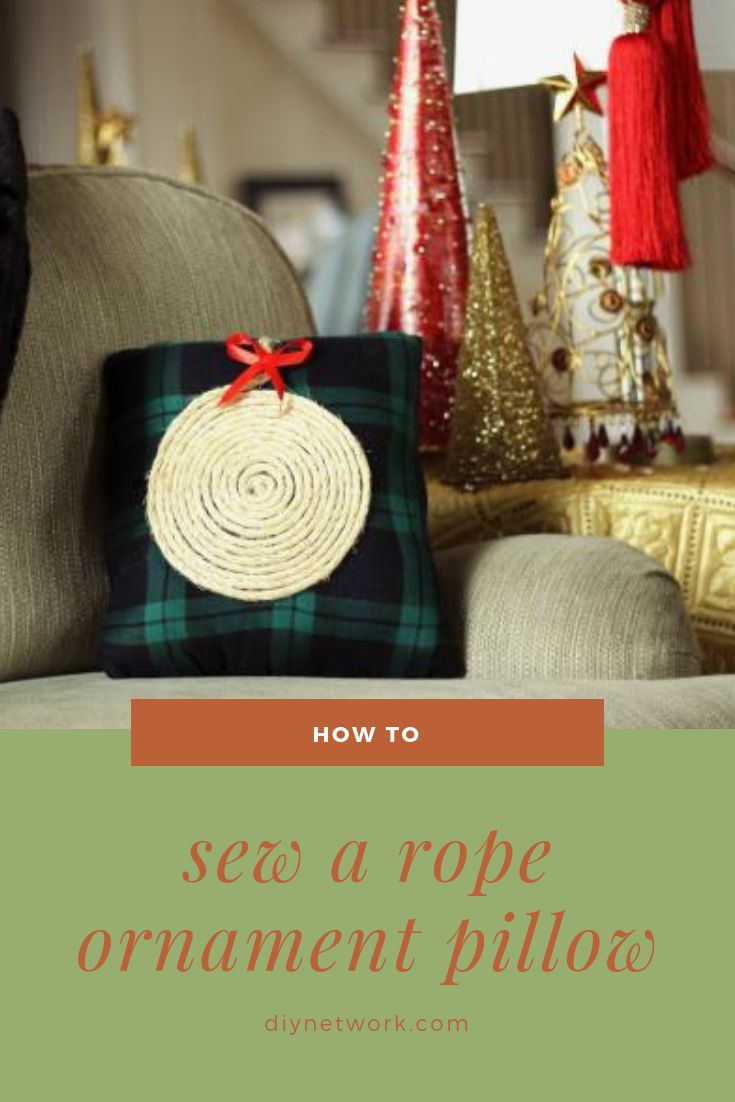 Switch out your fall throw pillows, and replace it with this easy-to-sew rope ornament pillow for the holiday season.