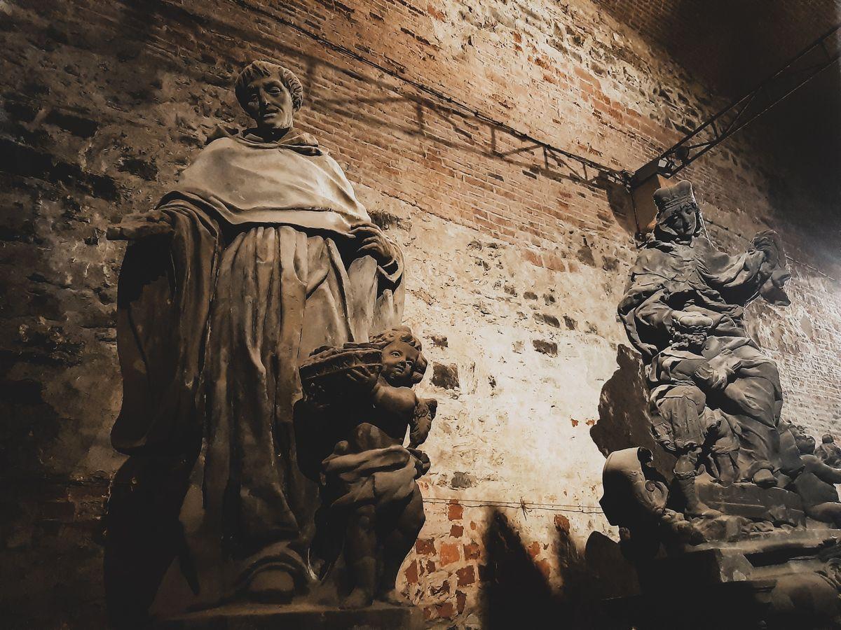 Скульптуры в казематах
