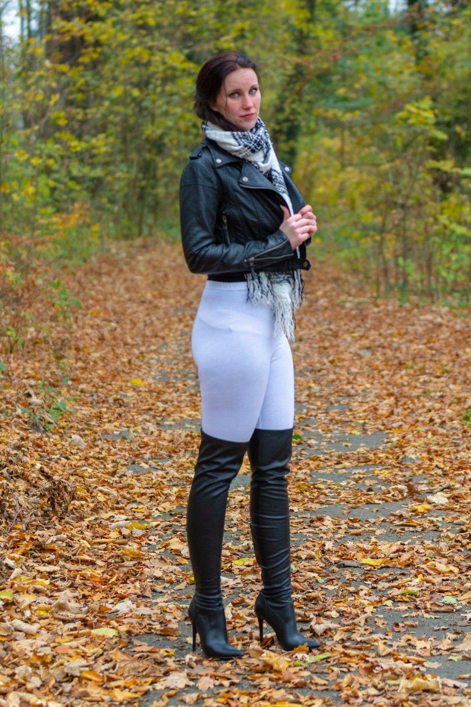 Black Atmospheric Girl In Overkneeboots Autumn Beautiful mN08wOvn