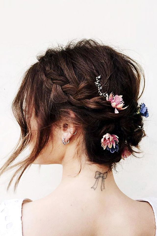 "Hale is often the muse of celebrity hairstylist Kristin Ess, who braided the actress's hair into the prettiest, romantic braid (adorned with flower buds, no less) in 2016.<p><a href=""http://www.homeinteriordesign.org/2018/02/short-guide-to-interior-decoration.html"">Short guide to interior decoration</a></p>"