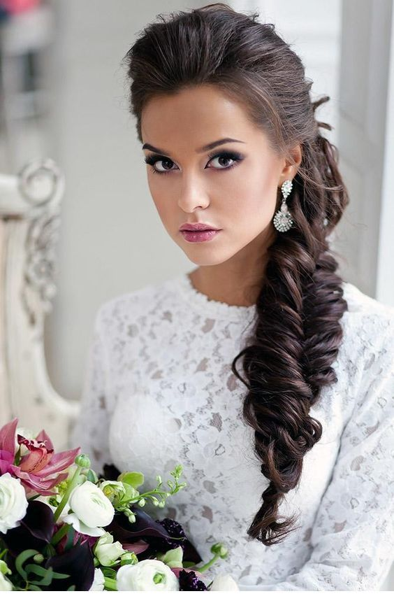 Everything is perfect, hair, makeup and accessories