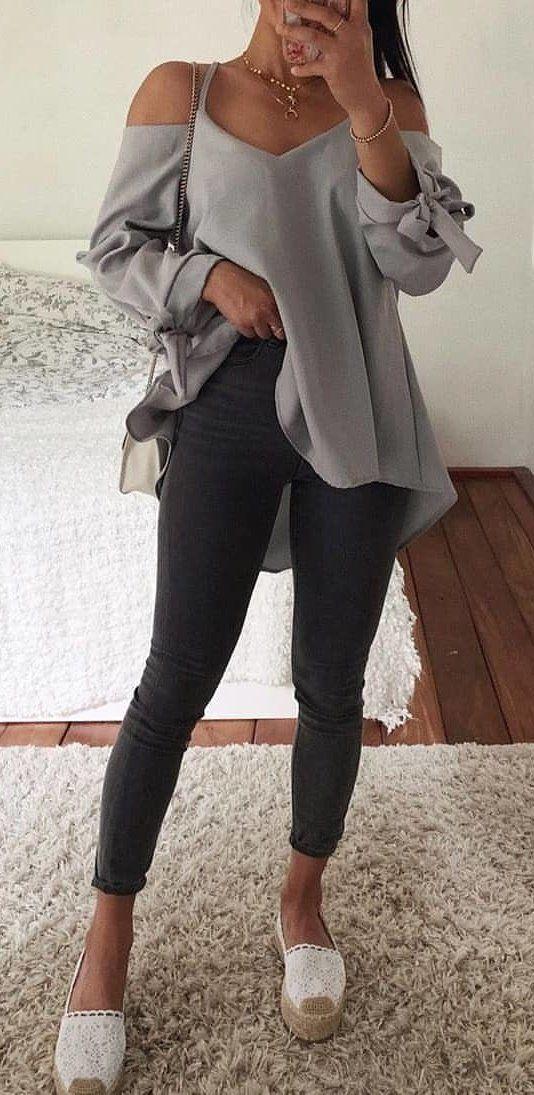 gray V-neck cold-shoulder long-sleeved peplum blouse #summer #outfits