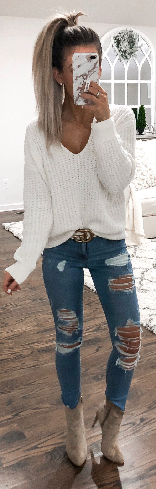 white scoop-neck long-sleeved shirt