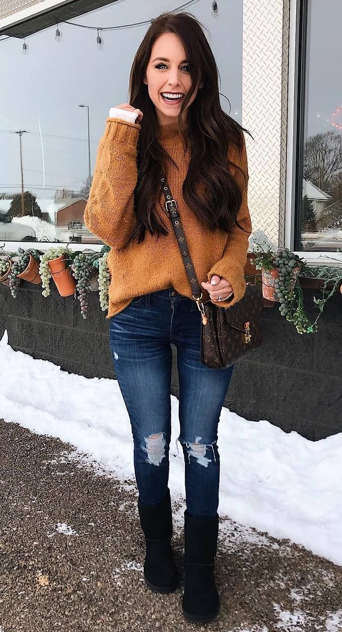 comfy outfit idea for this season / bag + knit sweater + rips + boots