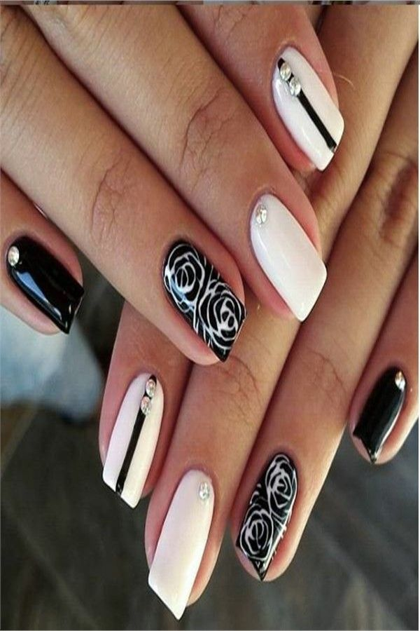 30+ Amazing Black And White Nail Art Designs 2019 – Fashonails #nail_art_designs #trendy_nails #white_nails #black_nails