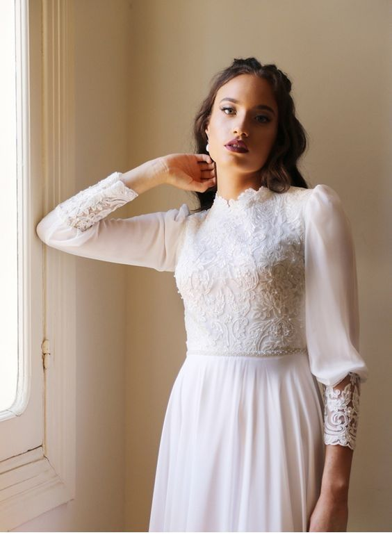 Chic retro white dress style