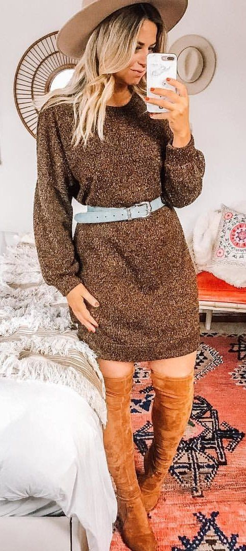 brown crew-neck long-sleeved midi dress