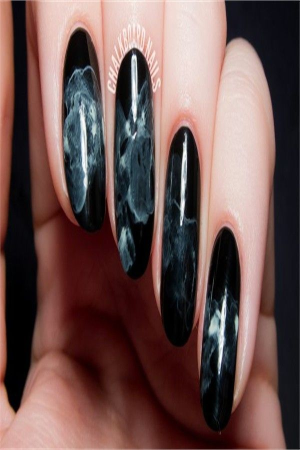 40+ Easy Halloween Nail Polish Designs 2018 – Fashonails