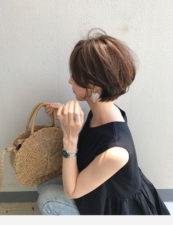 Short hair interesting handbag
