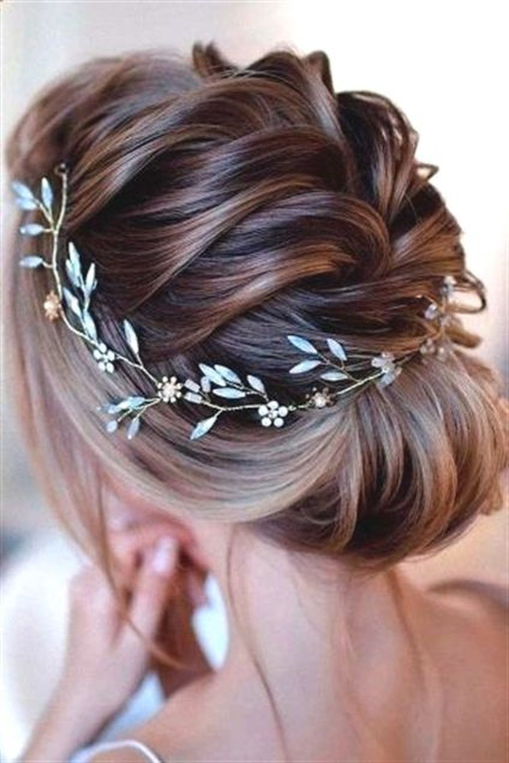 "50 Beautiful Wedding Hairstyles Ideas For Medium Hair<p><a href=""http://www.homeinteriordesign.org/2018/02/short-guide-to-interior-decoration.html"">Short guide to interior decoration</a></p>"