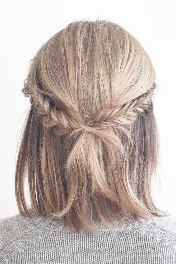 Braided Half-Updo Hairstyles For Medium Hair #braidedhairstyles #blondehair ★ Spring break is approaching, and easy hairstyles that look pretty will come in handy whether you have an active or a passive vacation. See our collection. #glaminati #lifestyle #easyhairstyles