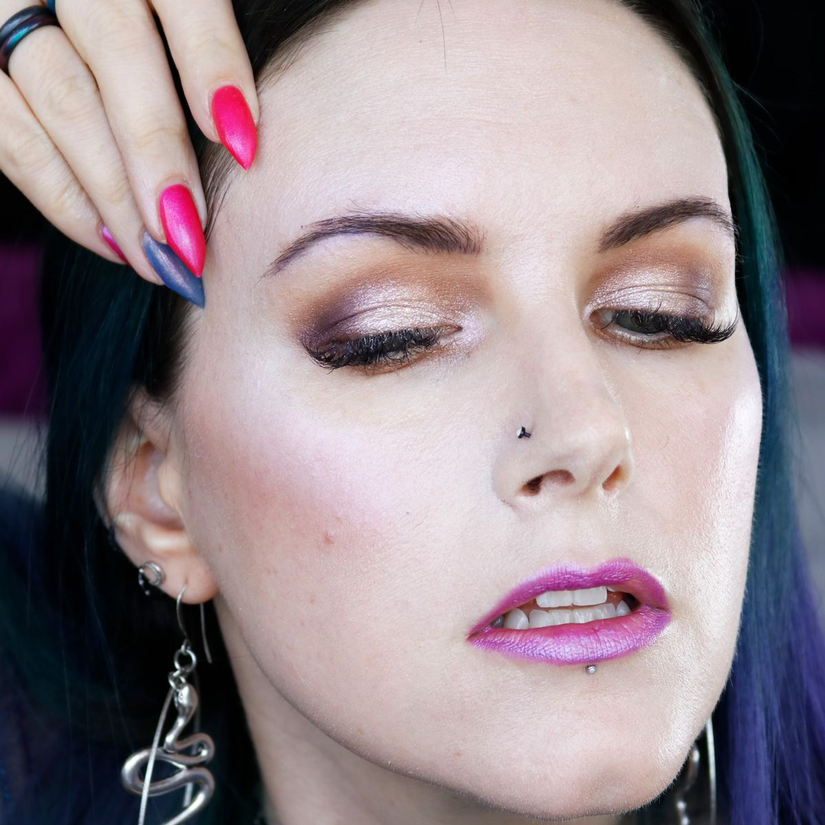 I have a guest YouTube tutorial from one of my favorite people in the world – Courtney from Phyrra.net! She's showing us how to do an easy subtle purple makeup look that is especially great for hooded eyes! If you're not sure what to do with bold colors, this tutorial is for you!