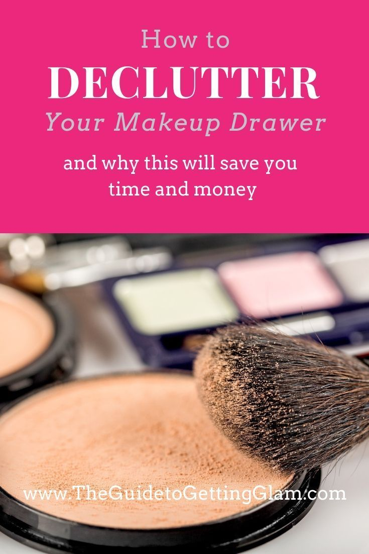 Organize your life (or at least your makeup drawer) with these makeup artist tips to eliminate clutter and create your minimal makeup collection. You can then build your basic makeup kit of only the makeup essentials you need to look and feel your best. #makeuptips #organize #declutteryourmakeupdrawer
