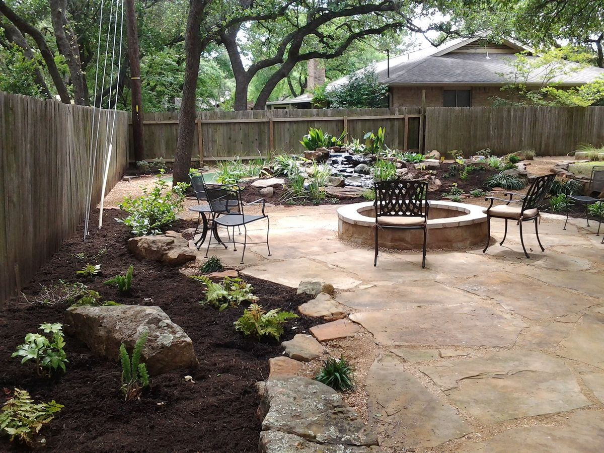 Decomposed granite patio decomposed granite and oak tree for Patio landscaping