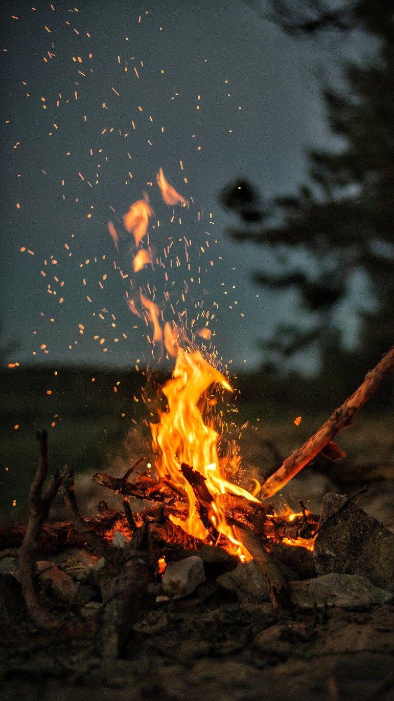 Campfire Wallpaper Wallz Aramgaan Kamp Atesi Resimler Arkaplan Tasarimlari