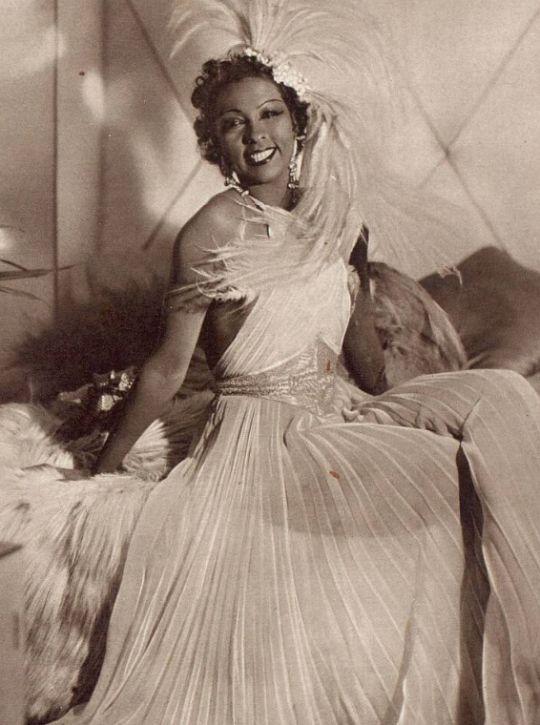 Josephine Baker, 1937
