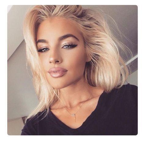 Selfie cute makeup