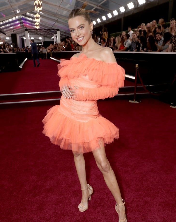 Sequins & Ruffles Dominated the People's Choice Awards Red Carpet #purewow #fashion #style #trend #annewinters #celebrity