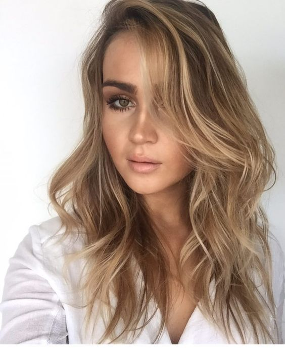 Lovely lady, blonde hair