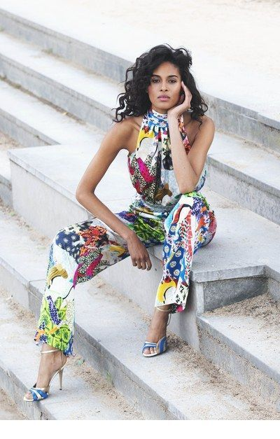 Awesome printed jumpsuit with black curly hair