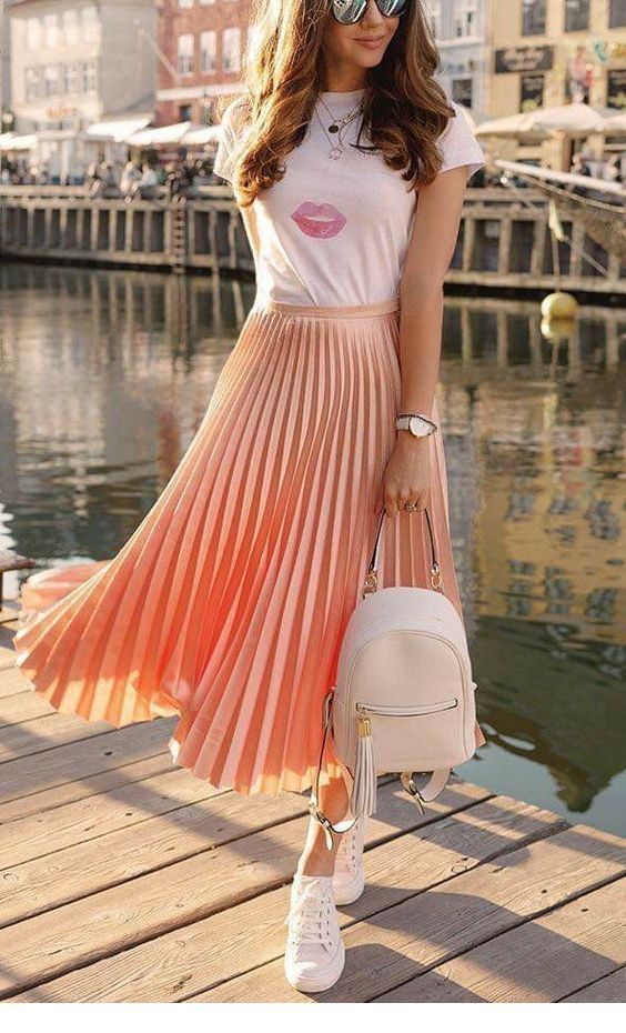 Sweet look, t-shirt and long skirt