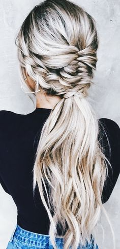 Love this twist on an everyday ponytail, the braid make it look like you actually tried