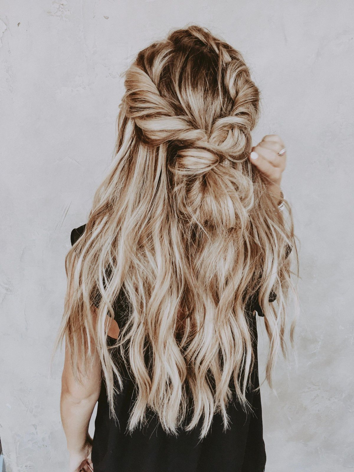 """easy braid with extensions <a class=""""pintag"""" href=""""/explore/braidedhairstyles/"""" title=""""#braidedhairstyles explore Pinterest"""">#braidedhairstyles</a><p><a href=""""http://www.homeinteriordesign.org/2018/02/short-guide-to-interior-decoration.html"""">Short guide to interior decoration</a></p>"""