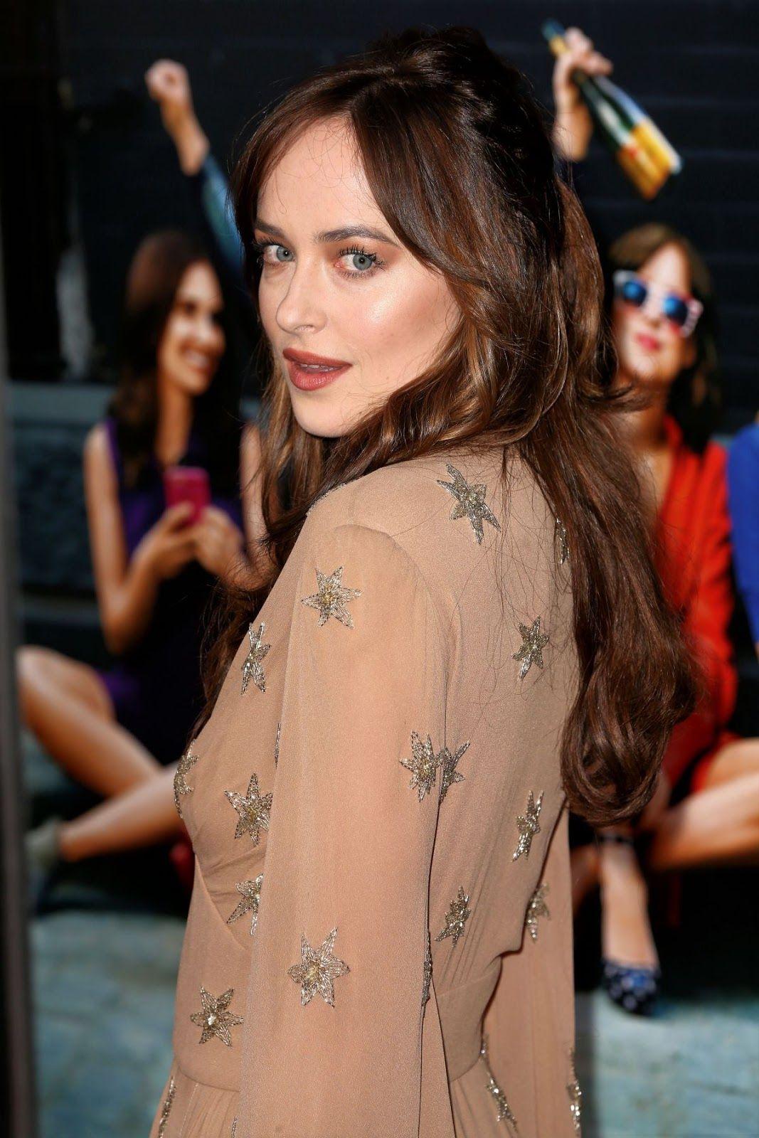 """Fifty Shades Darker"" actress Dakota Johnson at 'How to be Single' New York Premiere – HD Photos"
