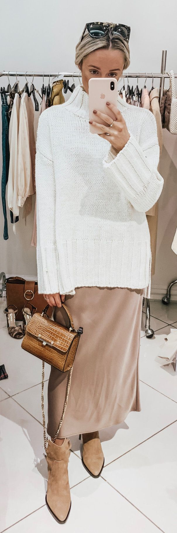 white and brown leather crossbody bag #winter #outfits