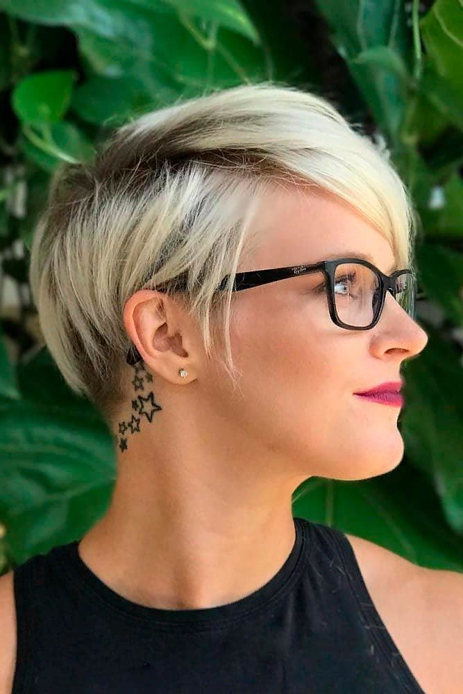 Blonde Ombre Pixie #pixiehairstyles #ombrehair ★  Short hairstyles for round faces are in trend! If you have blonde hair and a round face, check out these 40 hairstyle ideas. #glaminati #lifestyle #shorthairstylesforroundfaces