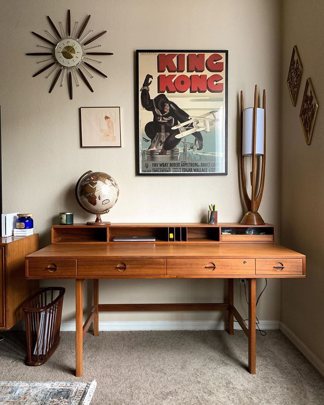 """Everything Mid-Century on Instagram: """"Good thing this isn't my desk, I'd never stop working. 📸: @midmodandretro"""""""