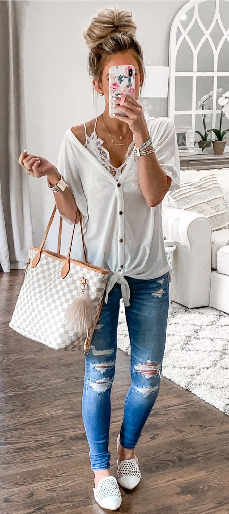 white button-up blouse and distressed blue denim jeans #summer #outfits