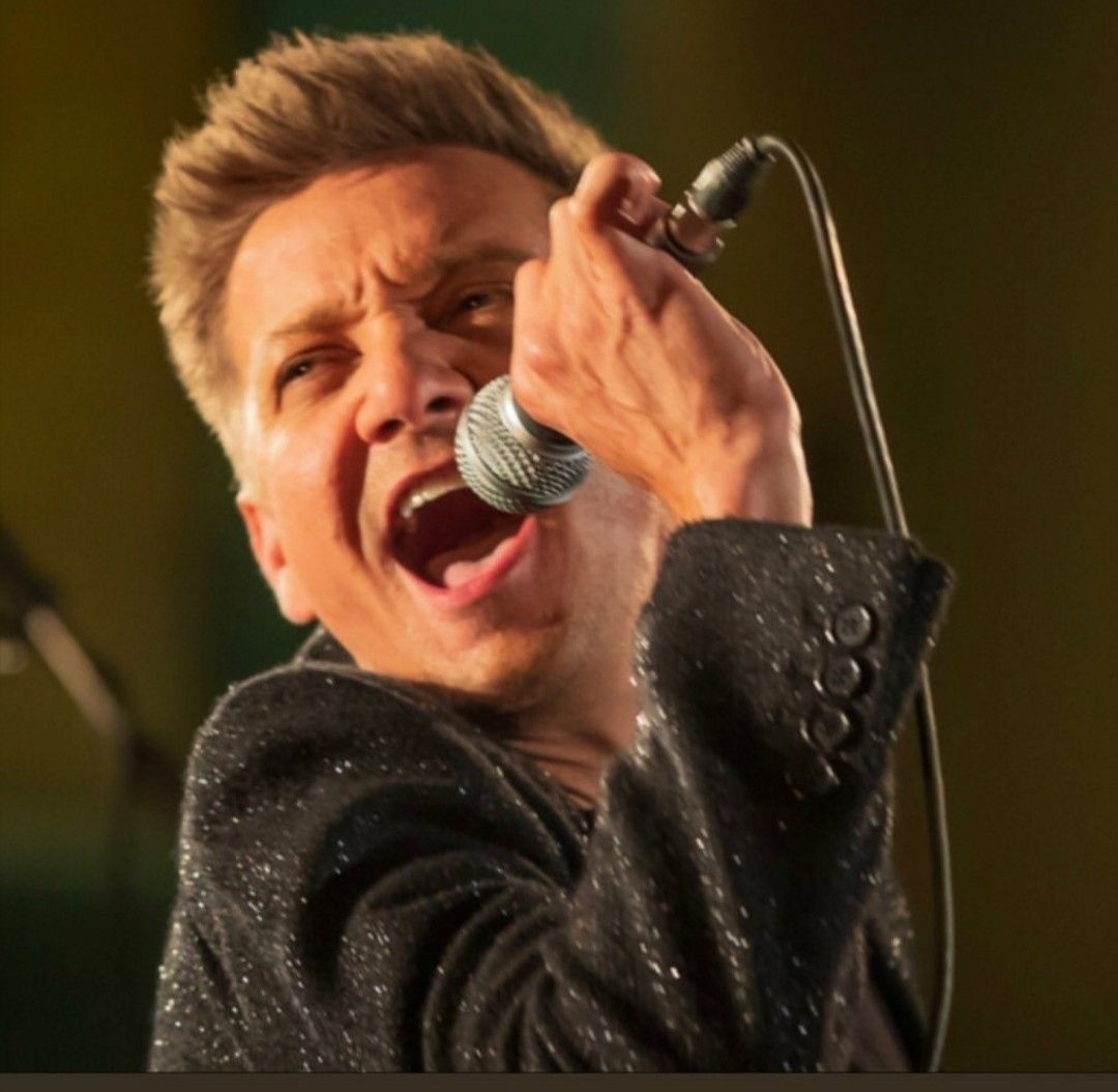 Jeremy Renner singing his new release 'Main Attraction ...